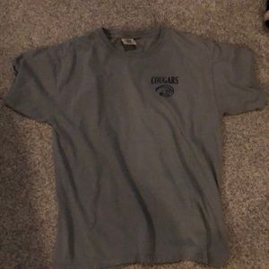 I'm selling a large Houston cougars t shirt